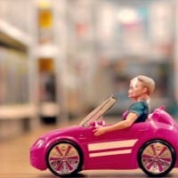 Toys R US gets its retaliation in first in the upcoming Christmas ad wars