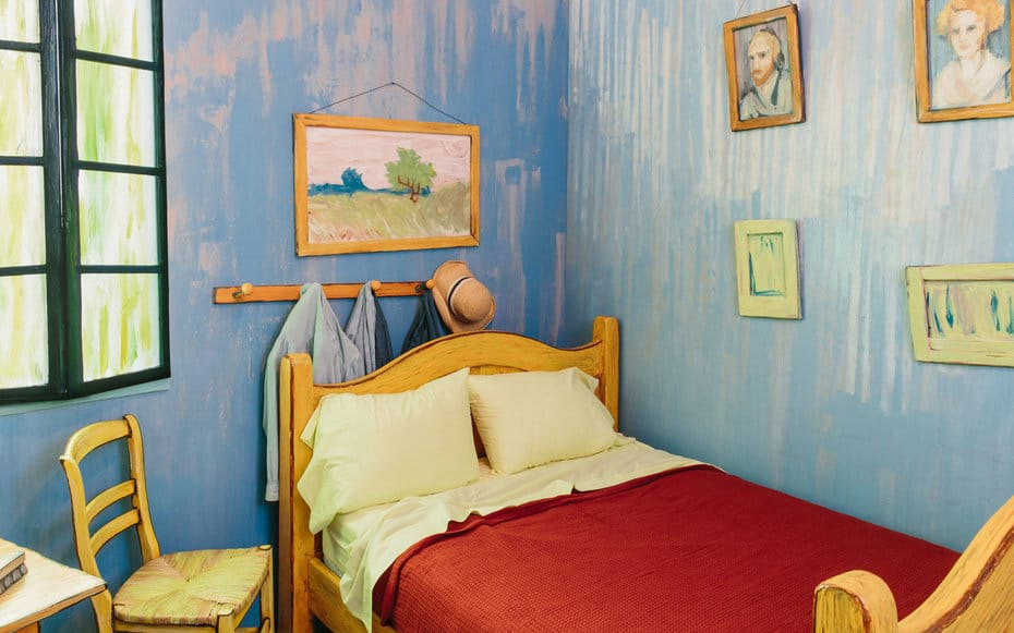 Van-Gogh-bed-Chicago-AIRBNB0216